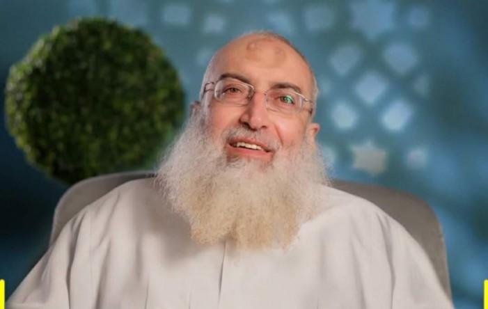 """تعليق على قرار """"الحكومة الفرنسية"""" بإقالة """"إمام مسلم"""" لتلاوته آيات من القرآن!"""